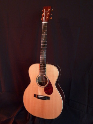 Guitare acoustique OM Serge Mouthon